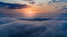 Free Sea Of Clouds During Sunset Royalty Free Stock Photography - 109909107