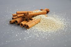Free Cinnamon And Star Anis Spices Stock Images - 109909274