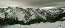 Free Rocky Mountain With Snow Royalty Free Stock Photos - 109909418