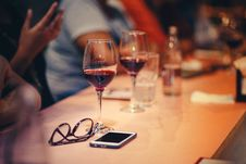Free Wine Glasses On Table Stock Photo - 109910430