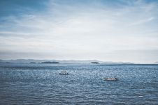Free Two Boats In Ocean Royalty Free Stock Images - 109910439
