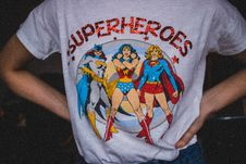 Free Person Wearing Superheroes Printed T-shirt Royalty Free Stock Photo - 109910745