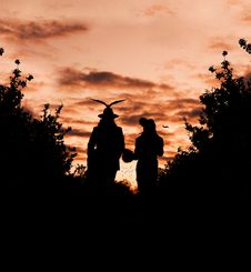 Free Silhouette Photography Of Male And Female Royalty Free Stock Images - 109910759
