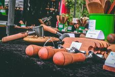 Free Brown Wooden Tools On Table Royalty Free Stock Photos - 109911058