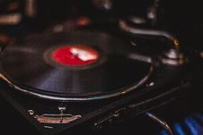 Free Unused Black And Red Turntable Stock Photography - 109911502