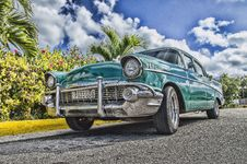 Free Blue Sedan Royalty Free Stock Photography - 109911657