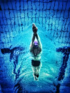 Free Underwater Photography Of Swimmer Stock Photography - 109911802