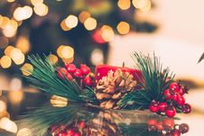 Free Brown And Red Pinecone Christmas Decoration Stock Images - 109911844