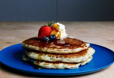Free Pancakes With Strawberry, Blueberries, And Maple Syrup Royalty Free Stock Photo - 109912055