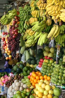 Free Assorted Fruits Stall Royalty Free Stock Images - 109912119