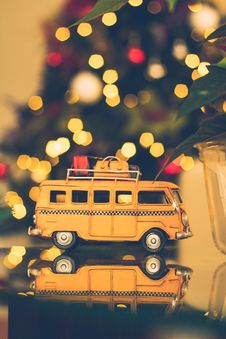 Free Macro Shot Photography Of Brown Volkswagen Van Figure On Table Royalty Free Stock Photo - 109912235