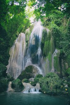 Free Time Lapse Photography Of Waterfalls Between Tall Trees Royalty Free Stock Photo - 109912385