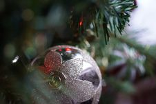 Free Silver Christmas Bauble Hanging On Christmas Tree Stock Photo - 109912440