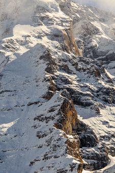 Free Scenic View Of Snowy Mountain Range Royalty Free Stock Photos - 109912738