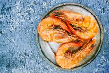 Free Three Cooked Shrimps On Can Stock Images - 109912784