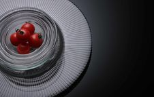 Free Five Tomatoes On Clear Glass Bowls Royalty Free Stock Images - 109912879