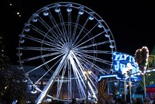 Free White Lighted Ferris Wheel In Amusement Part Stock Images - 109912974
