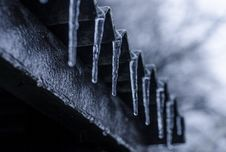 Free Close-up Photography Of Ice Crystals On Edges Of Corrugated Sheets Stock Photo - 109913370
