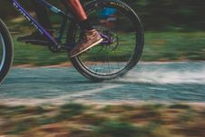 Free Photo Of Purple Mountain Bike Drifting Stock Image - 109914061