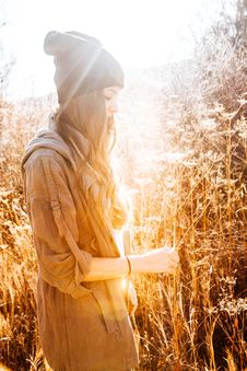 Free Woman In Black Beanie Standing Next To Tall Grass Stock Photography - 109914482