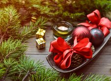 Free Christmas Baubles On Top Of Tray Royalty Free Stock Photos - 109914908