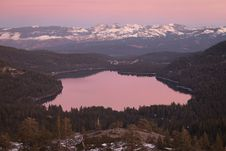 Free Aerial Photography Of Lake Surrounded By Trees During Golden Hour Royalty Free Stock Photography - 109915167