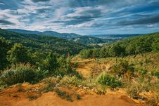 Free Scenic View Of Mountains Under Cloudy Sky Royalty Free Stock Photography - 109915817