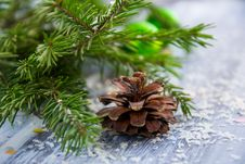 Free Brown Pine Cone With Pine Tree Leaves Shallow Focus Photography Royalty Free Stock Photos - 109916138