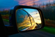 Free Selective Focus Photography Of Vehicle Side Mirror Royalty Free Stock Photography - 109916277