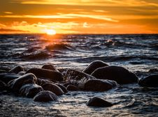 Free Stones On Beach During Sunset Royalty Free Stock Images - 109916339
