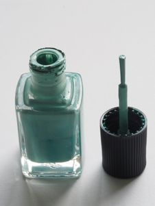 Free Shallow Focus Photography Of Teal Nail Lacquer Royalty Free Stock Image - 109916486