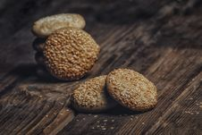 Free Photography Of Pile Of Cookies With Sesame Seeds On Table Royalty Free Stock Images - 109916519
