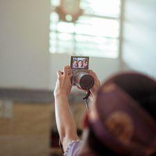 Free Person Holding Gray Dslr Camera Royalty Free Stock Photo - 109916785