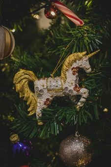 Free White And Brown Unicorn Hanging Decor Royalty Free Stock Image - 109916806