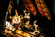Free Focal Point Photo Of Burning Wood In Black Steel Grate Stock Photo - 109917380