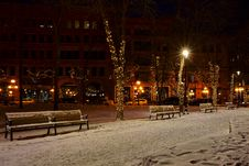 Free Photo Of Snow Covered Benches In The Street Royalty Free Stock Photos - 109917918