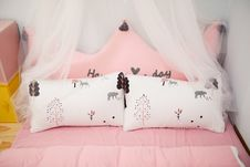 Free Photo Of Two Pillows On The Bed Stock Images - 109918014