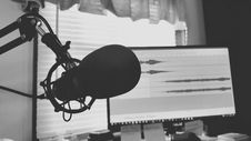 Free Greyscale Photography Of Condenser Microphone Stock Images - 109918094