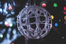 Free Macro Shift Photography Of Ball Ornament Stock Images - 109918214