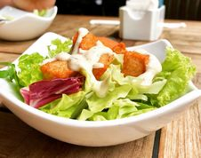 Free Vegetable Salad On Top Of White Ceramic Plate Stock Photos - 109918523