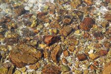 Free Stones Under Clear Water Royalty Free Stock Images - 109918729
