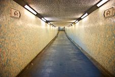 Free Alley Photography Of Grey Walkway Royalty Free Stock Photography - 109918787