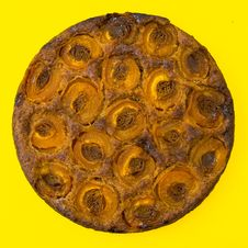 Free Round Baked Cake Stock Photography - 109918922