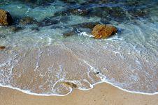 Free Sea Waves On Seashore Royalty Free Stock Photos - 109919278