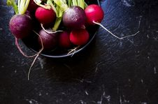 Free Purple And Red Radish In Bowl Royalty Free Stock Image - 109919476