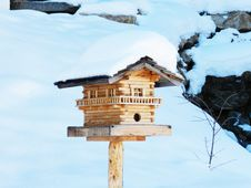 Free Wooden Bird House Royalty Free Stock Image - 109919686