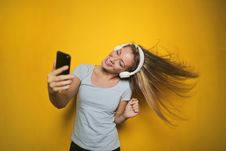 Free Photography Of A Woman Listening To Music Royalty Free Stock Photography - 109920207