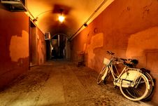 Free Two Beach Cruiser Bikes Beside Wall Stock Images - 109920364