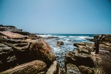 Free Rocks Near By The Ocean Royalty Free Stock Images - 109920879
