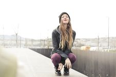 Free Selective Photo Of Woman In Gray Hooded Jacket Doing Crouch Position Royalty Free Stock Images - 109921199